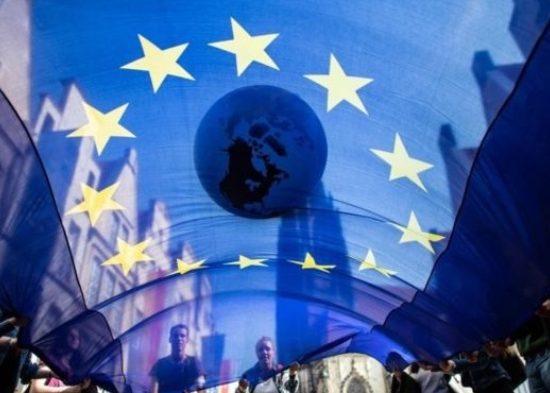 """На """"плане спасения Европы"""" будет зарабатывать"""