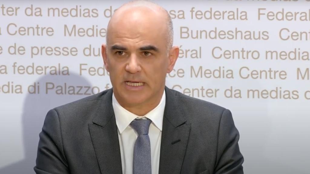 """Sağlık Bakanı Berset: """"Çarşamba geniş kapsamlı önlemler alınabilir"""""""